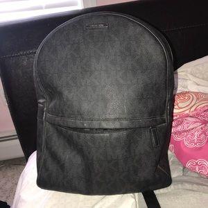 Michael kors bag-pack